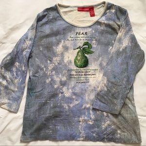 Blue and white pear 3/4 sleeve shirt